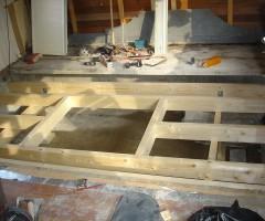 Vloer met houten luik